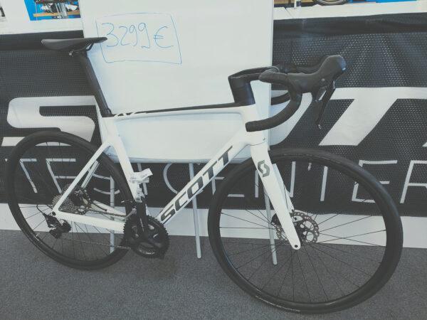 vélo SCOTT ADDICT RC 40