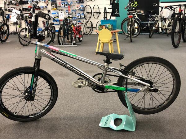 vélo BMX PRO